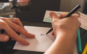 adresser une lettre à